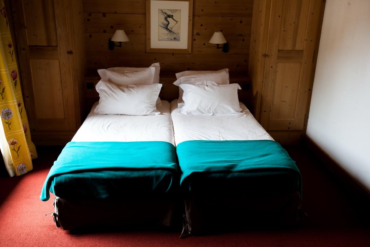 suite junior famille hotel la savoyarde val d 39 is re. Black Bedroom Furniture Sets. Home Design Ideas